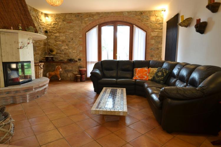 Villa Suvereto - Italië - Toscane - 10 personen - woonkamer