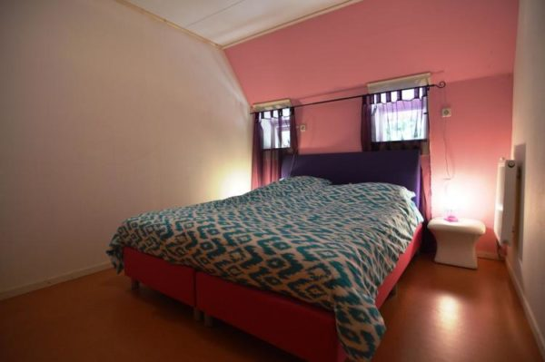 Villa Arcen - Nederland - Limburg - 18 personen - jacuzziBoerderij Wapse - Nederland - Drenthe - 6 personen - slaapkamer