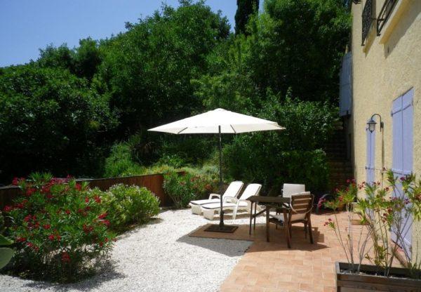 Natuurhuisje in Le Luc 30497 - Frankrijk - Provence-Alpes - 2 personen - terras met omheinde tuin